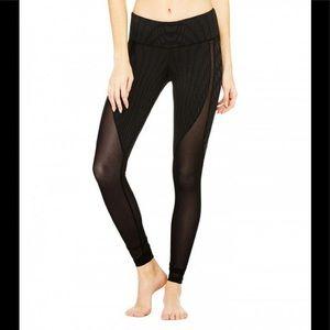 Alo Yoga Motion Legging in Black Arches & Black S
